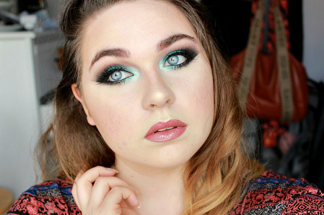 maquillage teal arabic