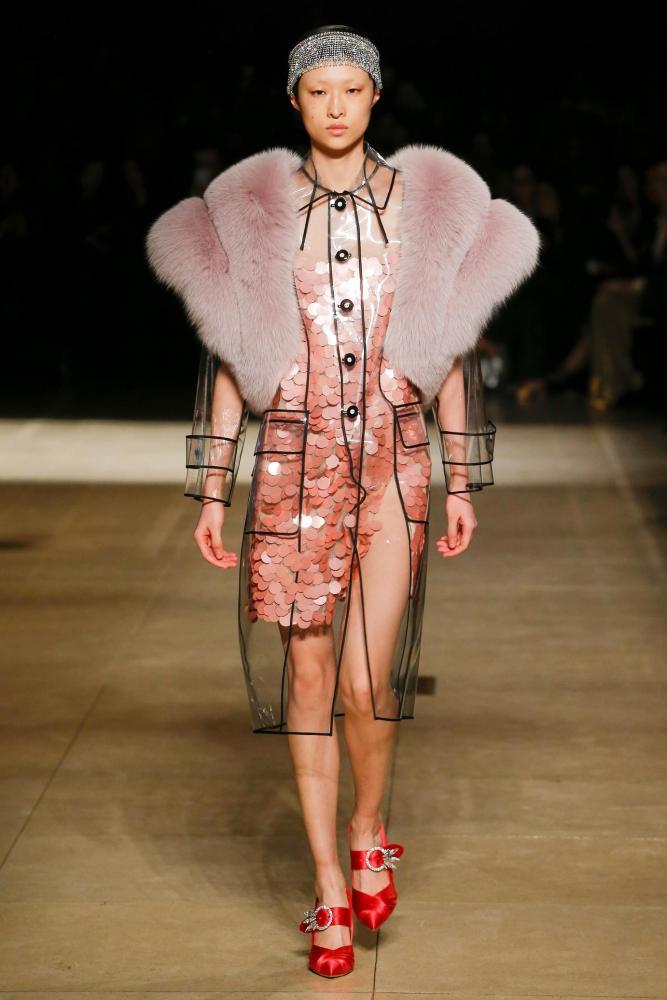 vêtements mode plastiques